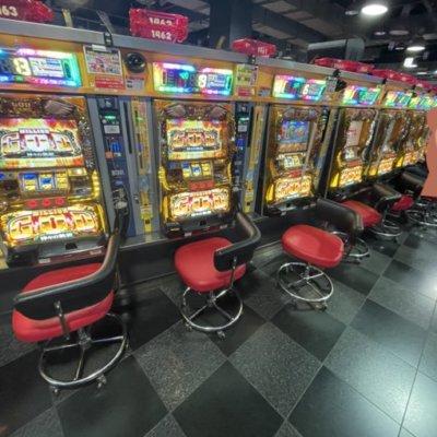 千葉県のパチンコ屋さん、サラ番5台、凱旋19台設置