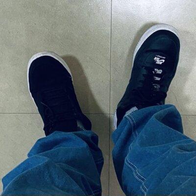 """【レベチ】松本バッチさん、左右で""""靴""""が違うwww「明日から、靴はライトをつけて履こうと思います。」"""